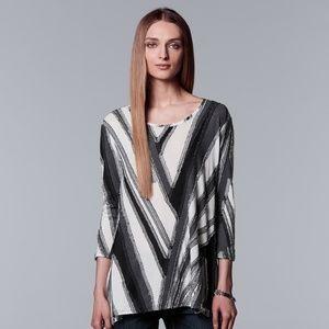 Vera Wang - asymmetrical textured 3/4 Sleeve Tee